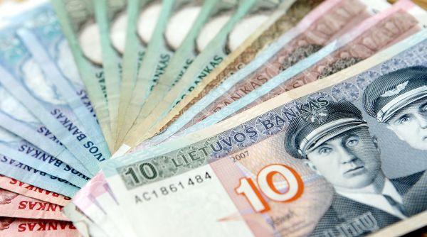 Mėnuo iki rugsėjo: kaip sugrįžti į realybę be piniginės krizės?