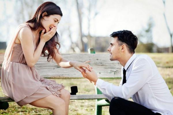 Sužadėtuvių žiedai mylimosioms: kaip nesuklysti renkantis?