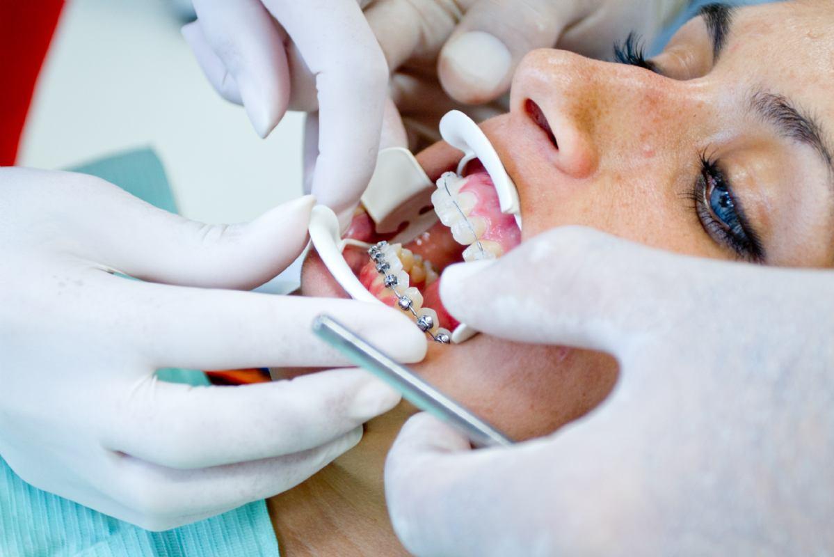 Kaip išsirinkti tinkamą ortodontijos kliniką?