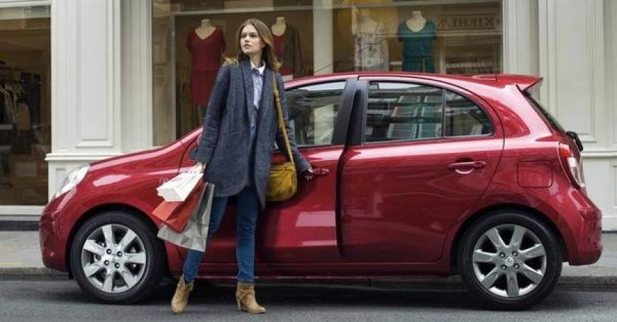 moteriškas automobilis