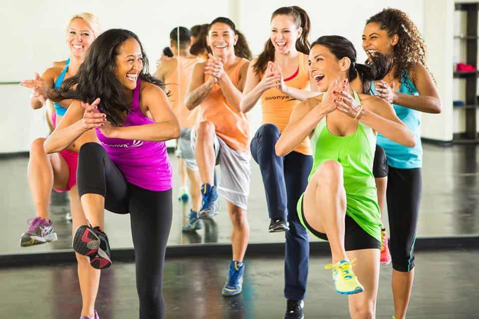 Aerobikos nauda – stangrus ir sveikas kūnas be sunkių svarmenų
