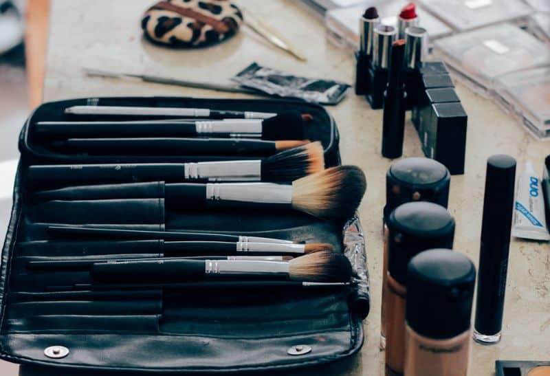 Renkamės specialybę:kosmetologijos kursai